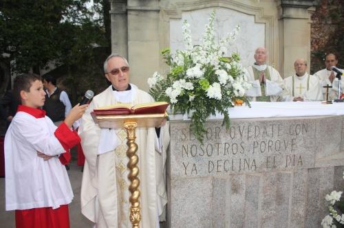 O evento iniciou-se com a Eucaristia