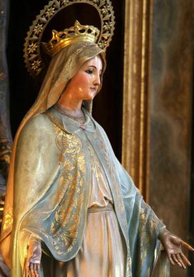 Durante la sua vita San Josemarίa si recò a Parigi in molte occasioni per pregare Nostra Signora della Medaglia Miracolosa a Rue du Bac