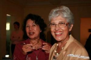 Zwei Pioniere : Laly Martin, rechts, kam 1959 nach Kanada. Sie hat von Anfang an im Studentinnenheim Montboisé gearbeitet. Alice Locong, links, war 1959 die erste Studentin von Montboisé. (Photo: Courtoisie)