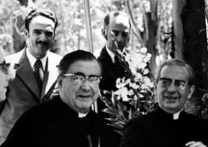 Św. Josemaría w towarzystwie Don Alvaro del Portillo.