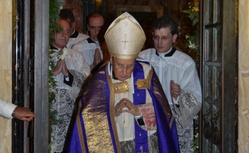 Prałat Opus Dei podczas ceremonii otwarcia Drzwi Świętych