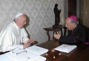 O Papa Francisco e D. Echevarría durante a sua primeira audiência.