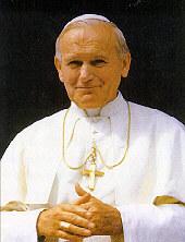 Der inzwischen selbst heilig gesprochene Papst Johannes Paul II. feierte die Messe am 6.10.2002