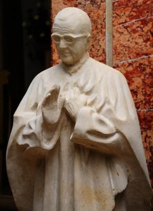 Statue du sculpteur Etsuro Sotoo.