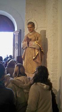 Statue de saint Josémaria en la cathédrale Saint-Michel, à Buenos Aires
