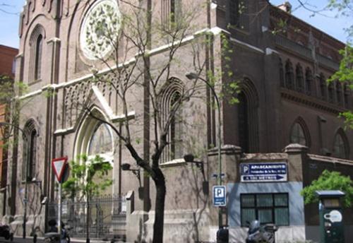 Basílica de Nuestra Señora de la Medalla Milagrosa en Madrid, junto a la casa de los Padres Paúles donde San Josemaría <em>vio</em> el Opus Dei