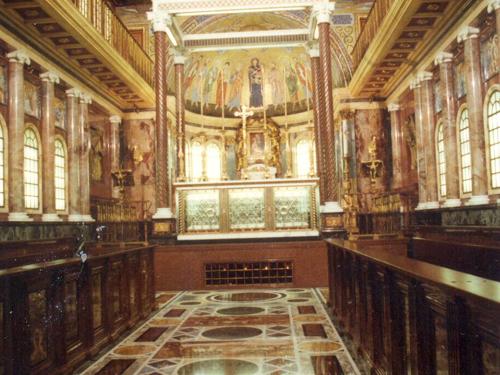 Veduta della navata della Chiesa