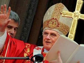 Benedikt XVI. bei seinem Besuch in Barcelona am 7. November 2010