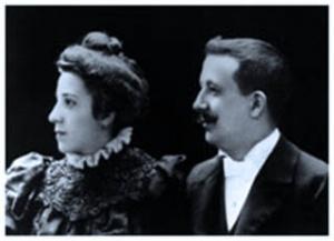 María de los Dolores Albás e Don José Escrivá, 1900