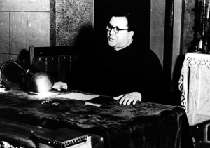 Un moment de la prédication de saint Josémaria : très fort à l'époque, à cause de son diabète