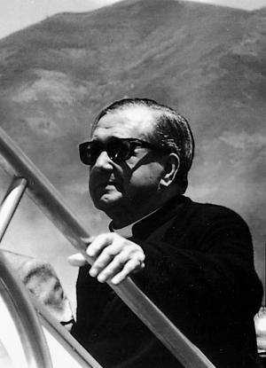 Auf dem Weg nach Venezuela, 1975. Der hl. Josefmaria litt stark an der Höhenkrankheit.