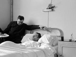 Josemaría Escrivá am Bett des todkranken  Isidoro Zorzano