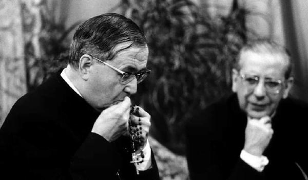 "75 anni fa san Josemaría scriveva ""Santo Rosario"""