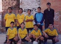 Als equips de futbol sala participen joves de diverses nacionalitats.