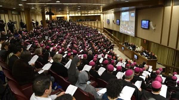 Svatý otec: Synoda není parlament, Matku církev je třeba hájit, nikoli špinit