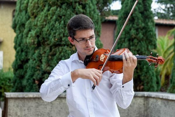 Isten hegedűse – Andrej Matis nemzetközi hírű zenészből lett pap