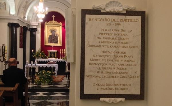 Tablica upamiętniająca pierwszą Mszę Św. bł. Alvaro w Polsce