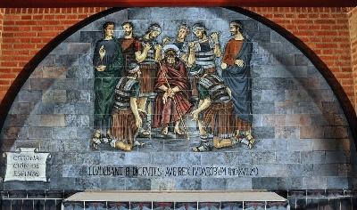 'La coronación de espinas': tercer misterio doloroso (escena del Santo Rosario del Santuario de Torreciudad)