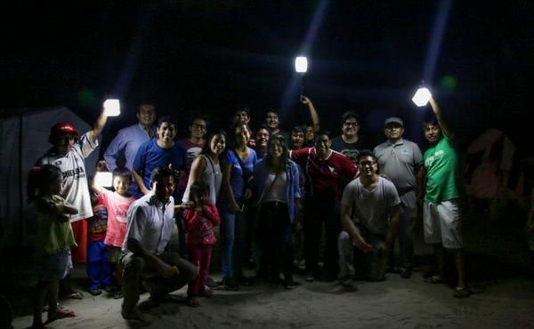 Opus Dei - Cientos de universitarios ayudan a los damnificados por 'El Niño'