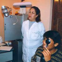 Médicos y enfermeras de la Universidad Panamericana viajan a Toshi para ofrecer atención médica especializada.