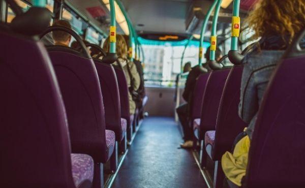 Entrou um sacerdote no meu ônibus