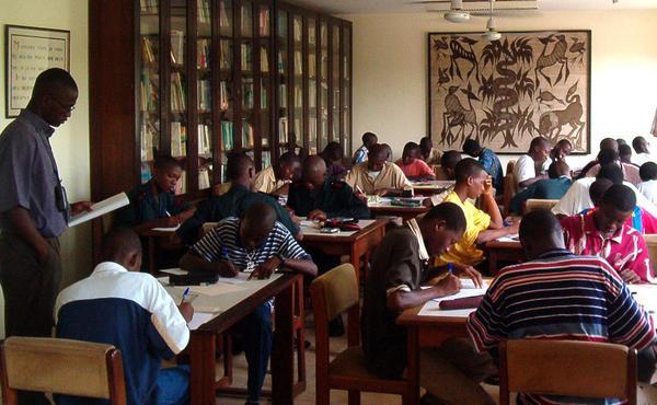 Opus Dei - Tuer le temps à Abidjan