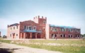 El nuevo edificio cuenta con 8 aulas-taller, oficinas y una amplia biblioteca