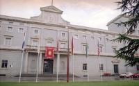 Budynek główny Uniwersytetu Nawarry