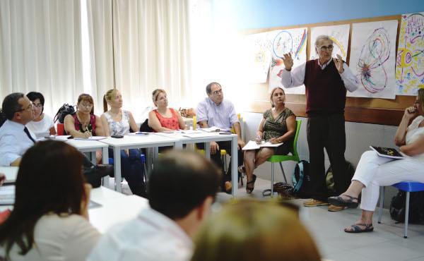 Los directores de colegios vuelven a las aulas
