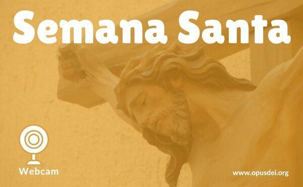 Webcam: ante el Crucificado, junto a san Josemaría