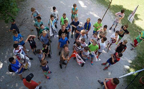 Opus Dei - Mit irakischen Flüchtlingskindern nach Österreich