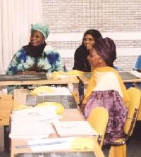 La mayoría de los cursos de Baytree están acreditados y las mujeres que los cursan pueden buscar después un empleo.