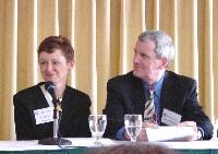 Kathleen y John Higgins, poco antes de su intervención.