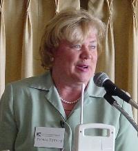 Teresa Tomory expuso las enseñanzas del beato Josemaría sobre el papel de los padres en la educación de los hijos.